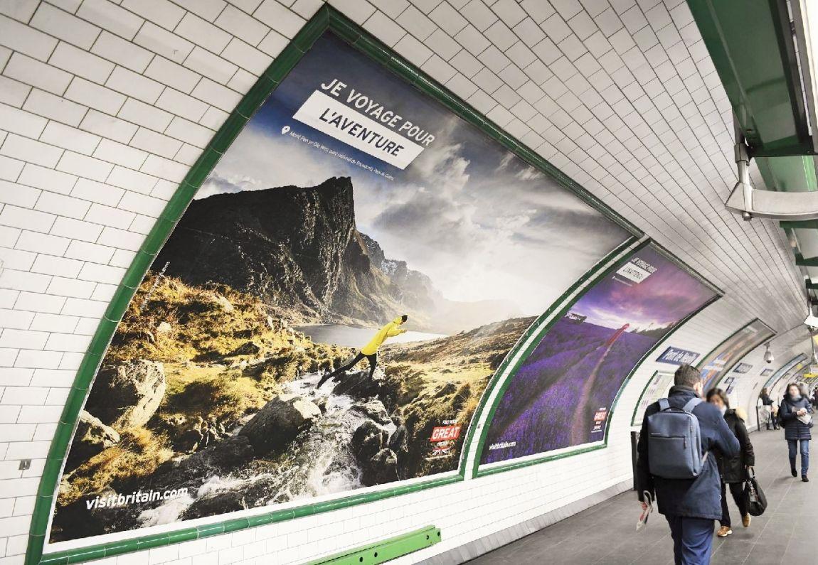I Travel For advertising campaign in Paris metro