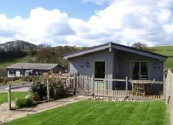 Exterior of a self catering lodge at Hoe Grange Holidays