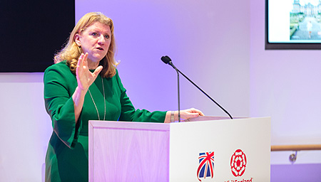 Sally Balcombe presenting at conference